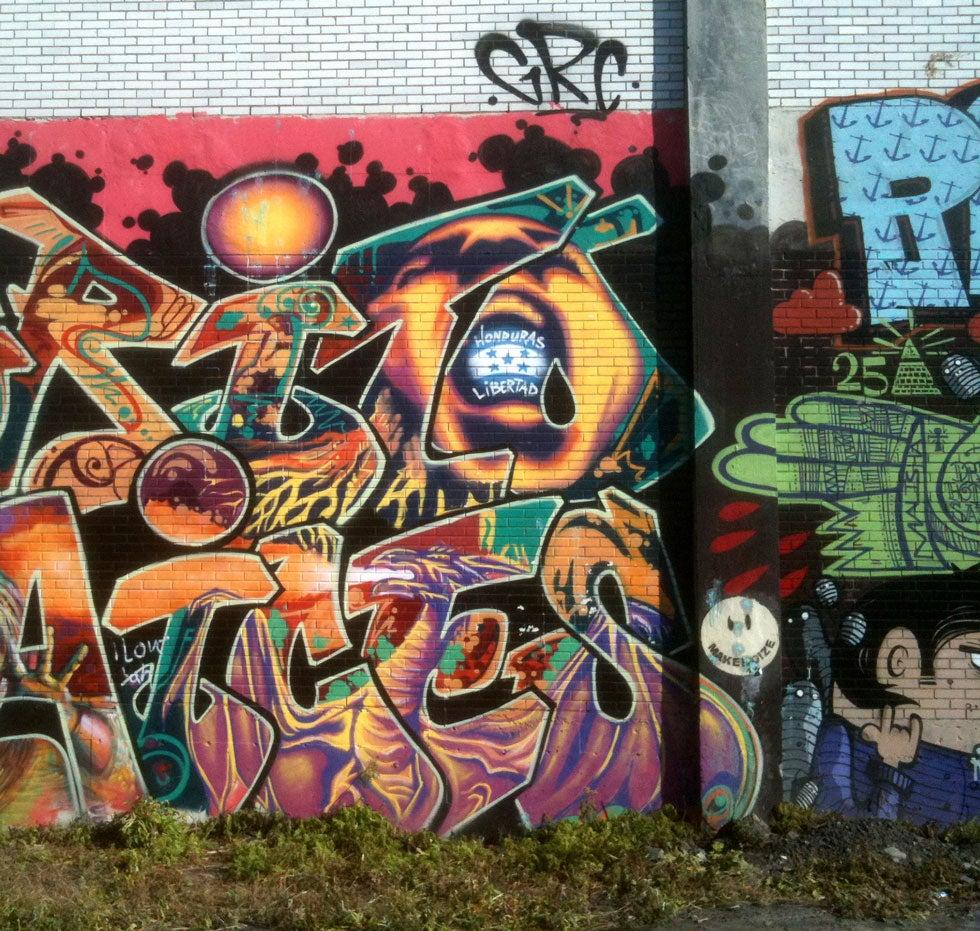 httpswww.popphoto.comsitespopphoto.comfilesfileswysiwyg_imageupload11graffiti-canada-Samuel-Joubert.jpg