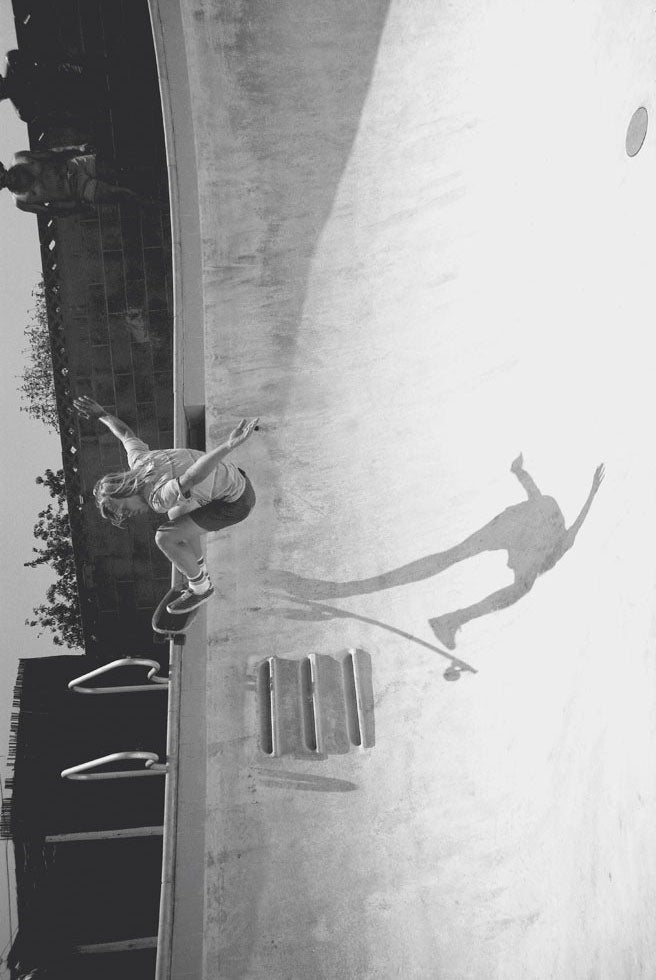 In California's Empty Pools, Skateboard Photos Become Epic Landscapes