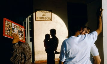 Magnum Photos Offers Intimate Photos From Their Archives