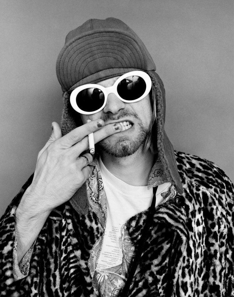 httpswww.popphoto.comsitespopphoto.comfilesfilesgallery-imagesKurt_Cobain_Brushing_Teeth.jpg