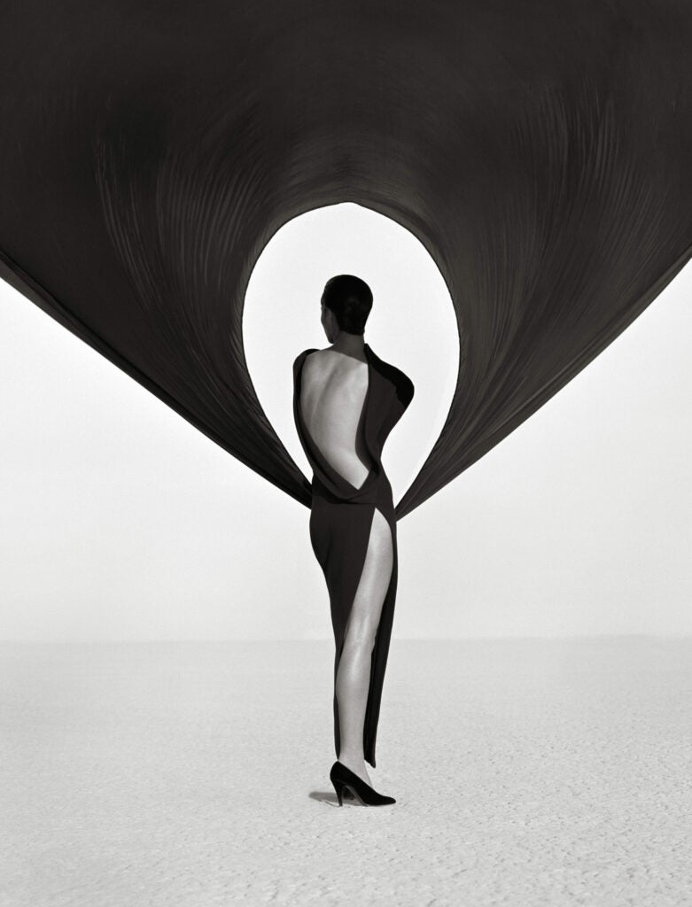 © Herb Ritts Foundation, Courtesy of Fahey/Klein Gallery, Los Angeles