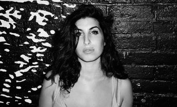 See Never Before Seen Photos of Amy Winehouse on The Cusp of Fame