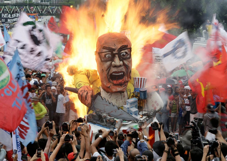 Photo of the Day: Your Head is on Fire
