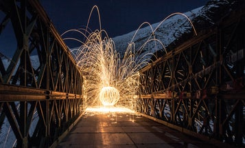 'Paint' shapes in the dark with long-exposure photography