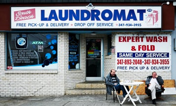 A Photographic Ode to the Laundromat