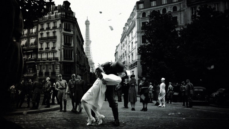 Eisenstaedt's Famous V-J Day Photo, Questionably Recreated (With Nazis)