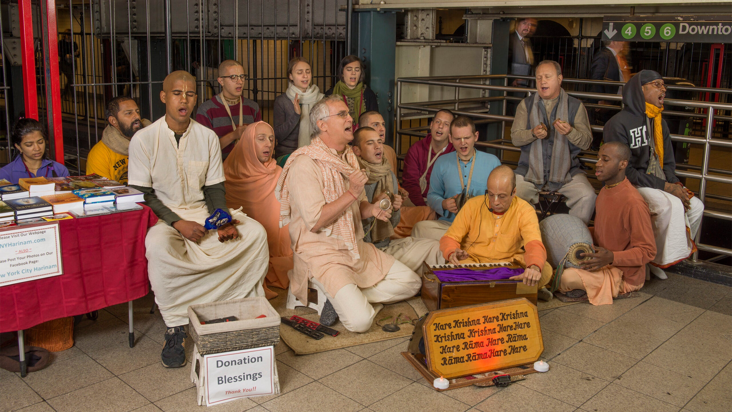 Group Portrait Photographer Neal Slavin's Prayer Project