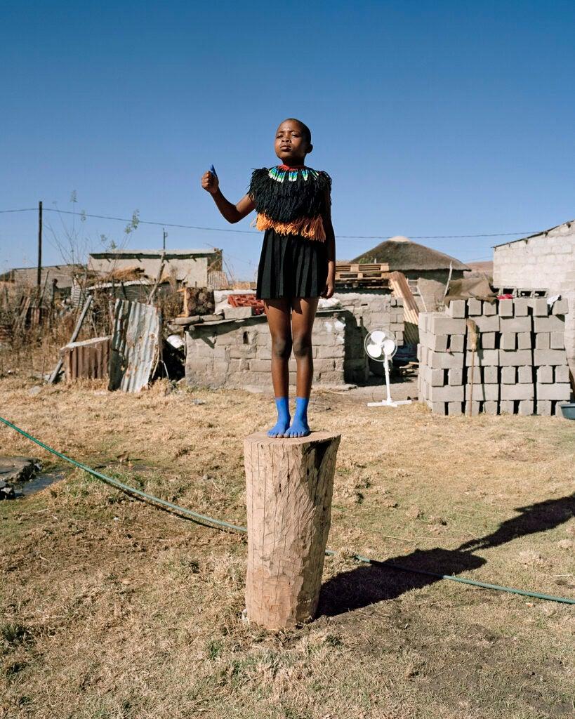 httpswww.popphoto.comsitespopphoto.comfilesimages201511namsa_leuba_-_zulu_kids_inyakanaka_-_untitled_vi.jpg