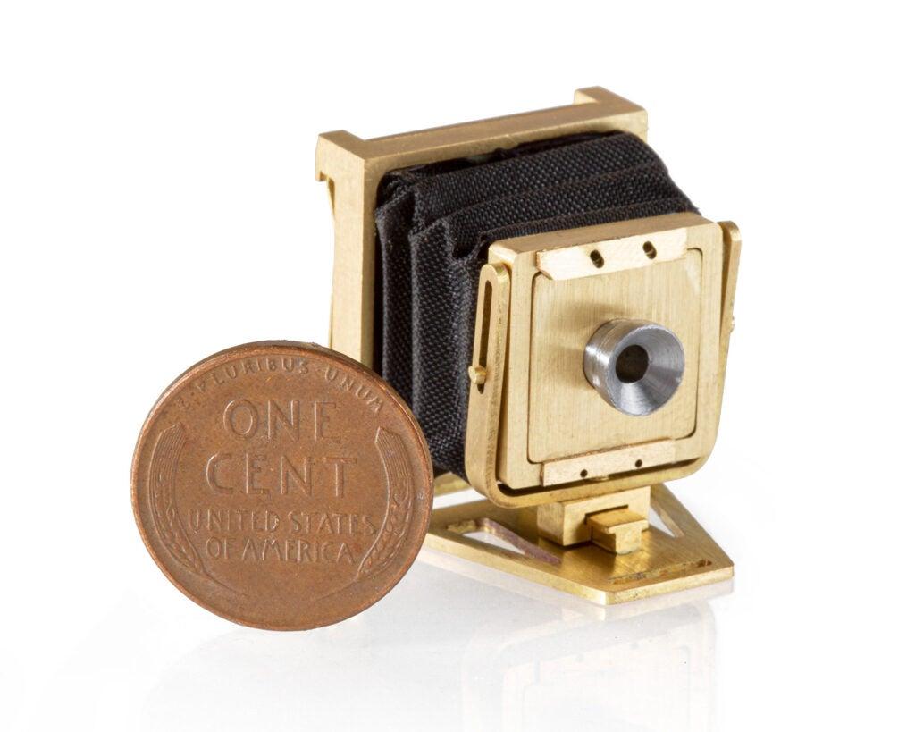 Lucus Landers Mini view camera