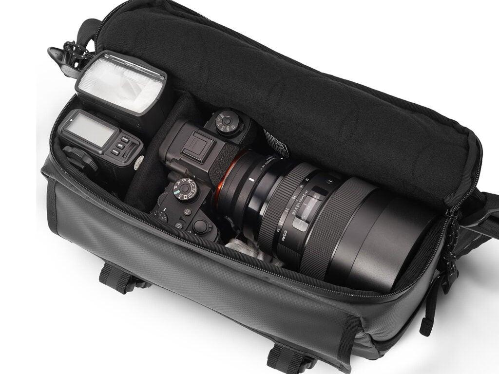 Niko Camera Sling bag open