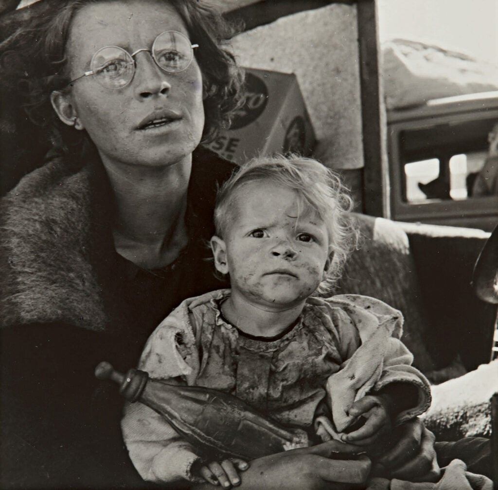 Mother and Baby of Family on the Road, Tuleake, Siskiyou County, California