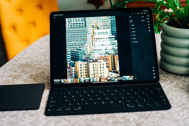 Apple iPad Pro review Lightroom.