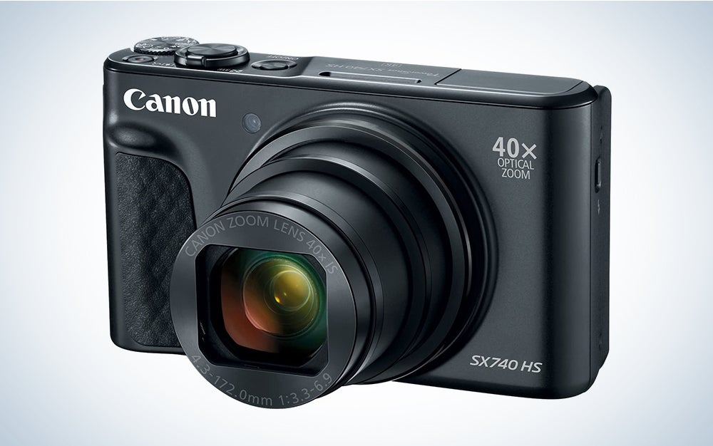 Canon PowerShot SX740 is the best vlogging camera for travel