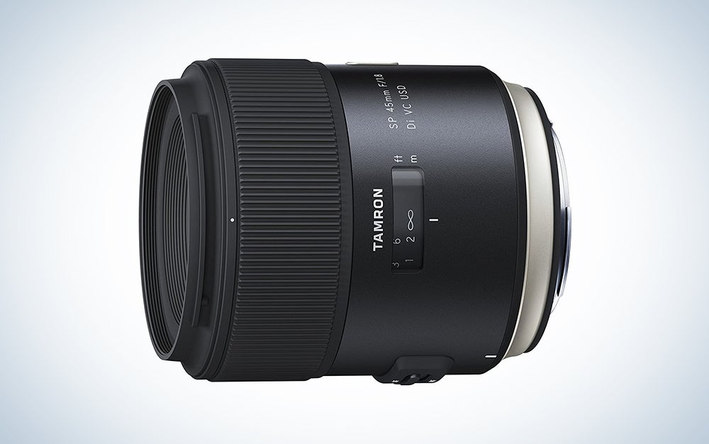 black tamron nikon camera lens is the best lens for portraits