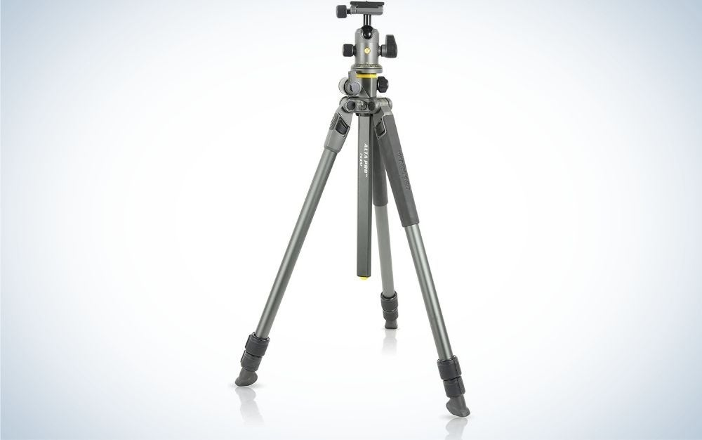 Vanguard shooting item with three aluminum legs and with a column positioned in center.