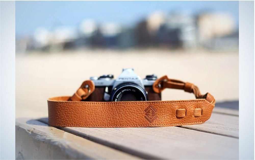 TETHER's camera strap is the best simple camera strap.