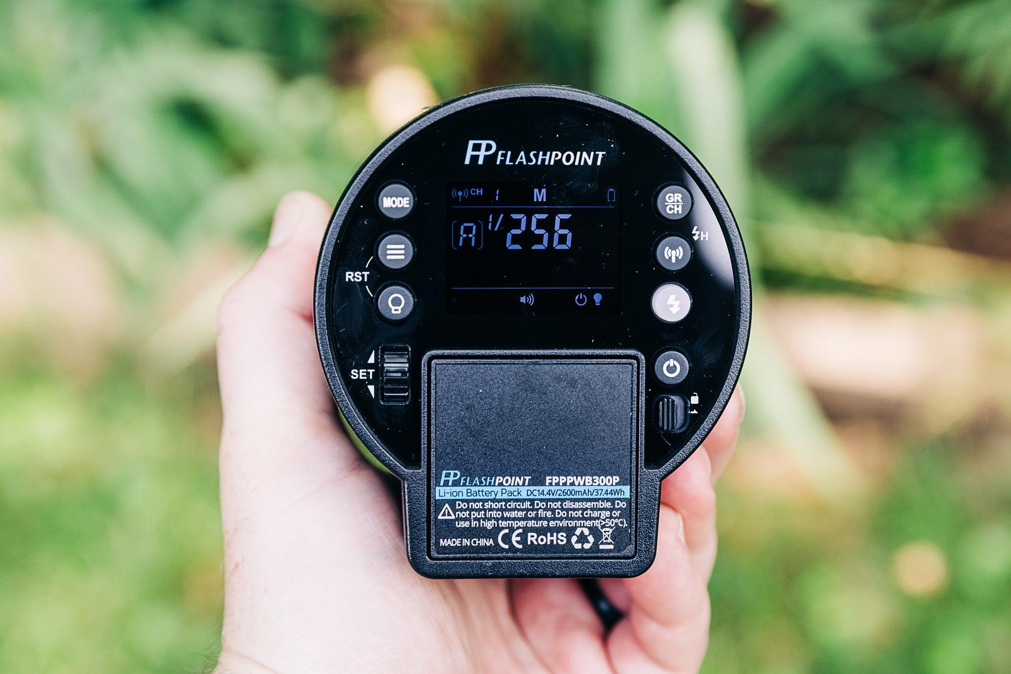 Flashpoint xplor 300 pro ttl r2 back controls