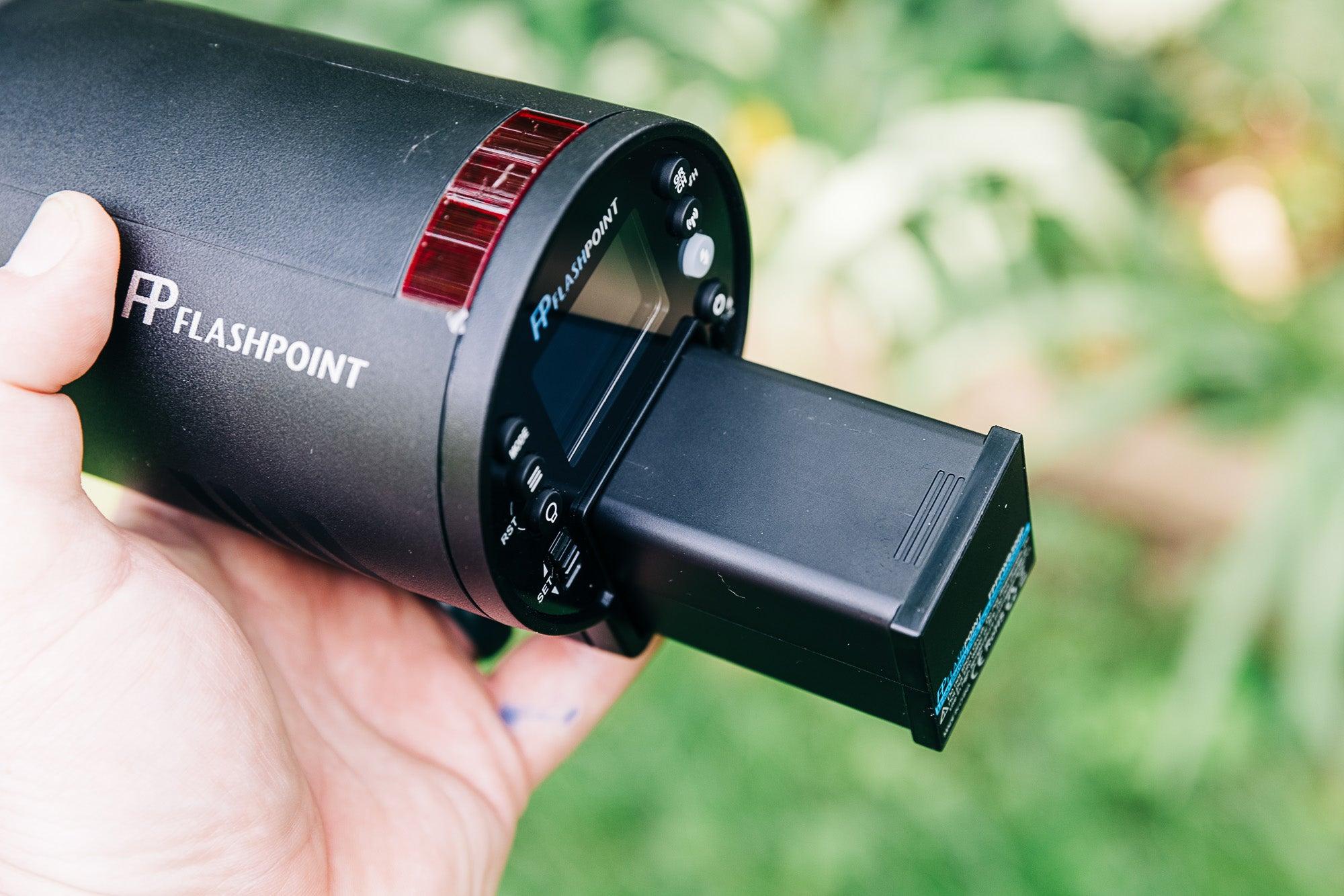 Flashpoint xplor 300 pro ttl r2 battery
