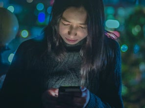 Your phone's dimmest screen setting is still too bright. Here's how to darken it even more.